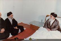 تصویری دیده نشده از دیدار رهبر معظم انقلاب و آیت الله العظمی گلپایگانی