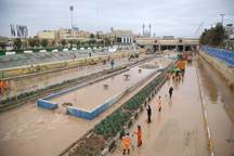 سیلاب در رودخانه قمرود قم جاری شد