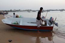 صیادان جزیره گناوه اسکله می خواهند