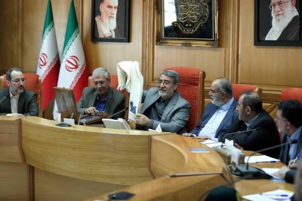 وزیر کشور از شال امیری کرمان رونمایی کرد