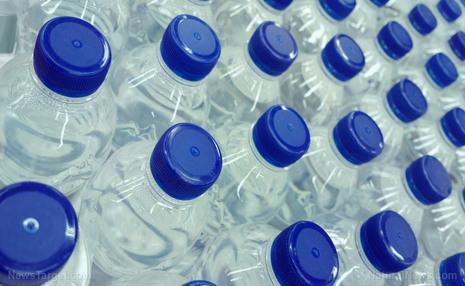 بطریهای آب، آلاینده های میکروپلاستیکی دارند/ Nestle آلوده ترین شد