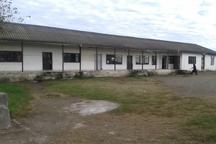 فرار دانش آموزان از نام نویسی در مدرسه 82 ساله و مستهلک آستارا
