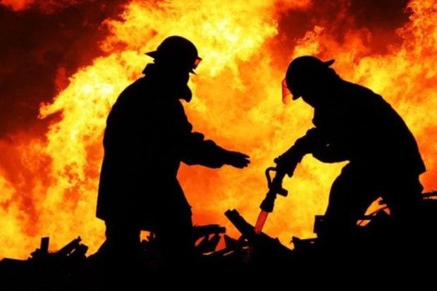 انبار هتل فردوسی تهران در آتش سوخت