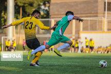 تیم فوتبال شهرداری فومن با شکست لیگ کشور را آغاز کرد