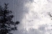 کاهش 10 درجه ای دمای هوا در اردبیل  آخرهفته اردبیل بارانی است