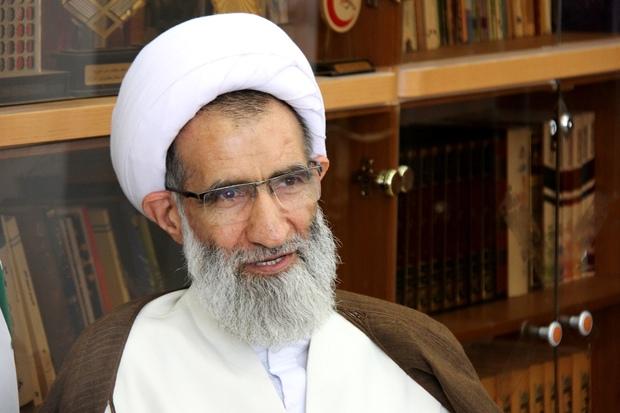 تنها گزینه ملت ایران مقاومت در برابر آمریکا است