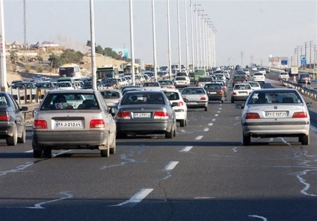جاده های قزوین با ترافیک سنگین همراه است