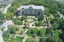 کاخ موزه ای که گردشگران بازار مرزی ماکو را به باغچه جوق سوق می دهد