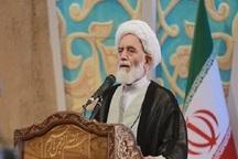 امام جمعه همدان: دولت آمریکا رو به افول است