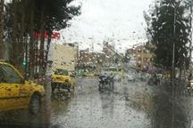 جاده های استان تهران با بارش باران لغزنده است