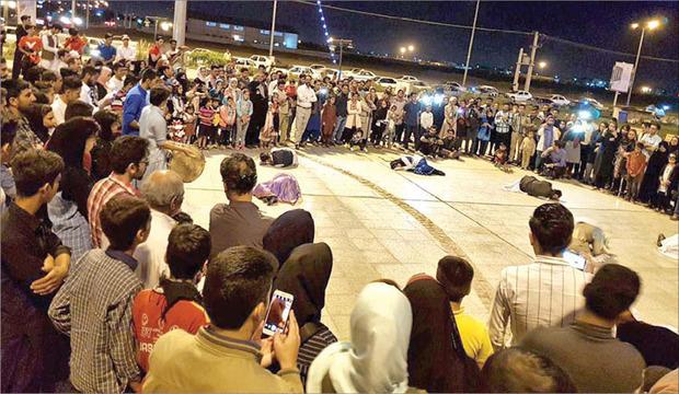 دومین جشنواره منطقه ای 'طلوع' در ایرانشهر در حال برگزاریست