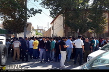 بازار فروش دلار در کرمانشاه همچنان رونق دارد