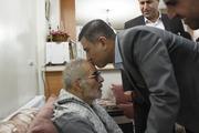 دیدار استاندار البرز با خانواده شهید فهمیده