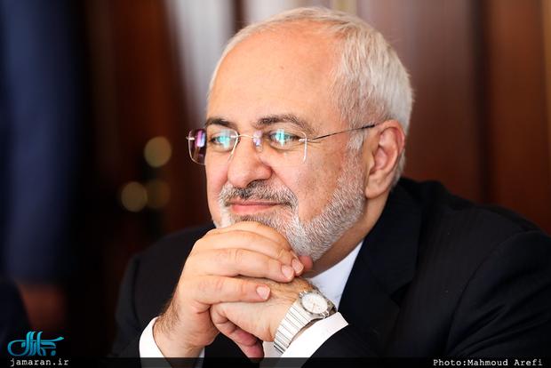 ظریف: هیچگونه شکایت و دلخوری از علی کریمی و وریا غفوری ندارم