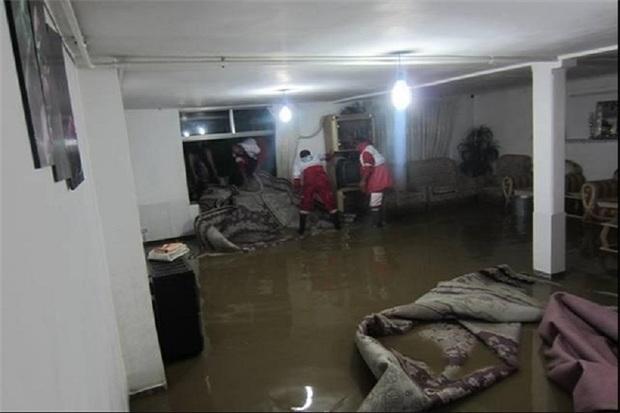 حدود 350 واحد مسکونی بر اثر بارش باران در اصفهان خسارت دید