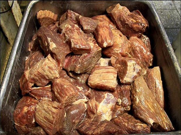 یک تن گوشت فاسد در آبیک معدوم شد
