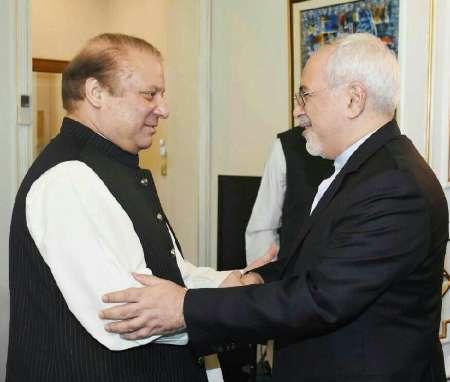 ظریف با نخست وزیر پاکستان ملاقات کرد تاکید بر حل مسائل مرزی محور گفتوگوها