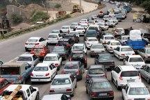 ترافیک در محورهای خروجی تهران نیمه سنگین است