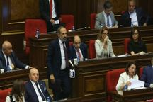 رهبر مخالفان، نخست وزیر ارمنستان شد