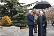 عکس/ خوش و بش روحانی و ظریف پس از پذیرفته نشدن استعفا