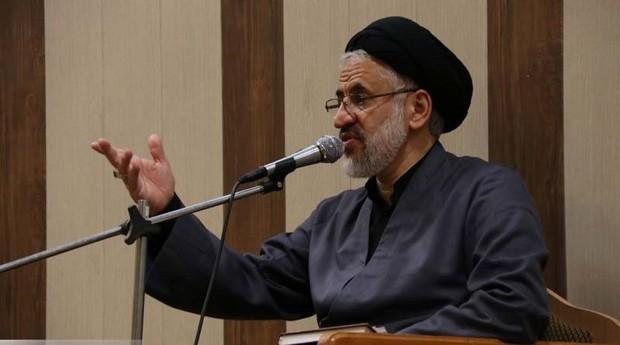 قرآن همراه با عترت باعث پیشرفت جوامع می شود