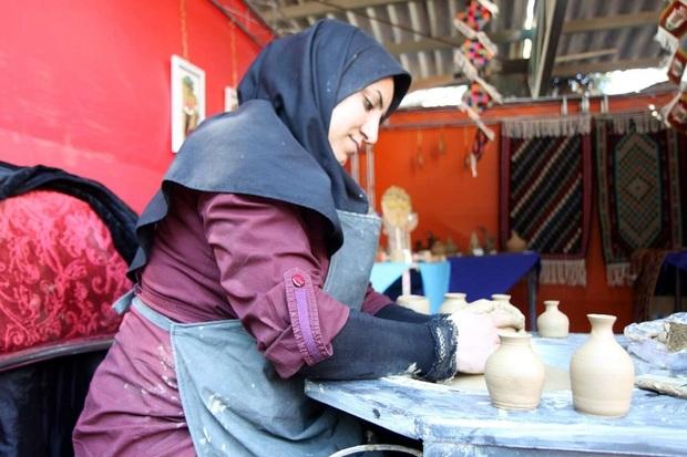 بازارچه تولیدات دانشجویی در قزوین گشایش یافت