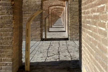 ایمن سازی سی و سه پل  اصفهان با سازههای فلزی