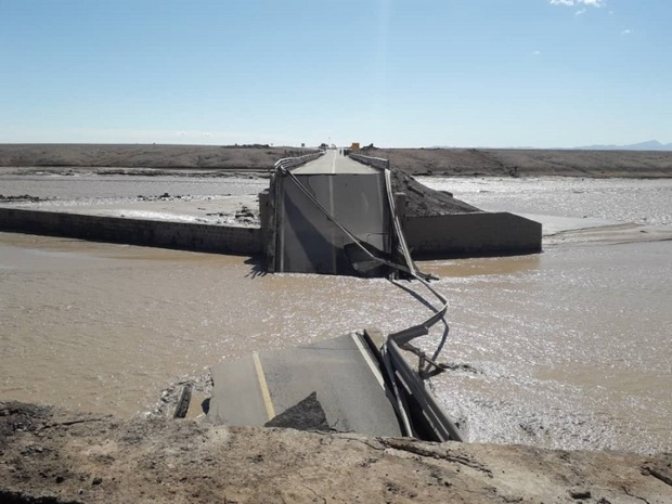عملیات بازسازی پل کالیشور راور با فروکش کردن آب آغاز می شود