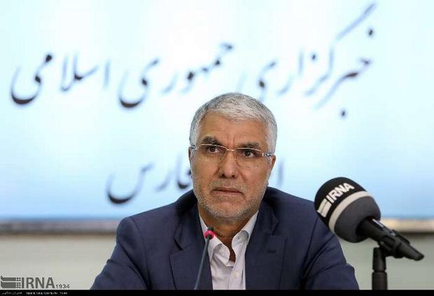استاندار: ذخیره مناسبی از کالاهای اساسی در فارس وجود دارد