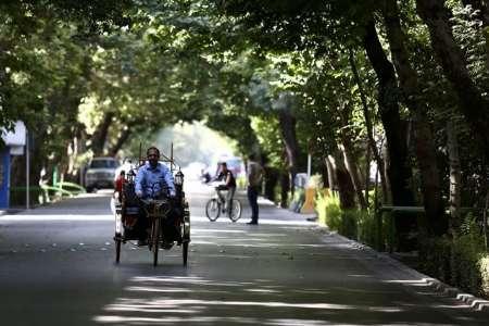 کالسکه های برقی در چهارباغ اصفهان به حرکت در می آیند