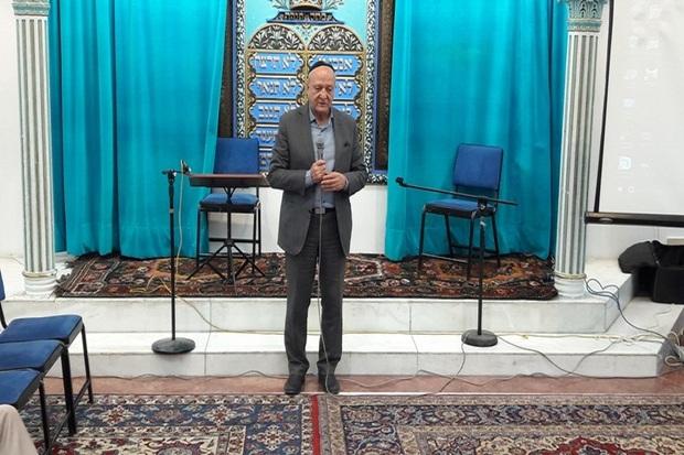 پیروان ادیان الهی طبق قانون در ایران آزادی مذهبی دارند