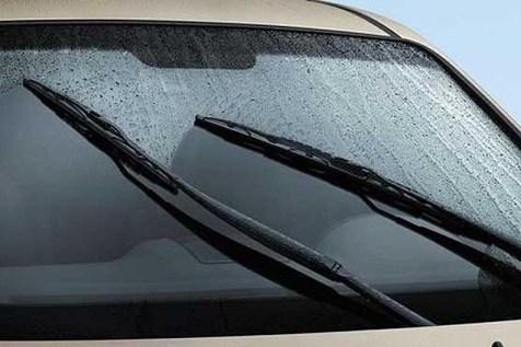 جریمه ۳۰ هزار تومانی برای رانندگی با برف پاک کن خراب