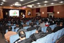 سهم ایران در صادرات گل ،یک دهم درصد بازار دنیا   یکصد شاخه گل رز معادل یک بشکه نفت در بازار بین المللی