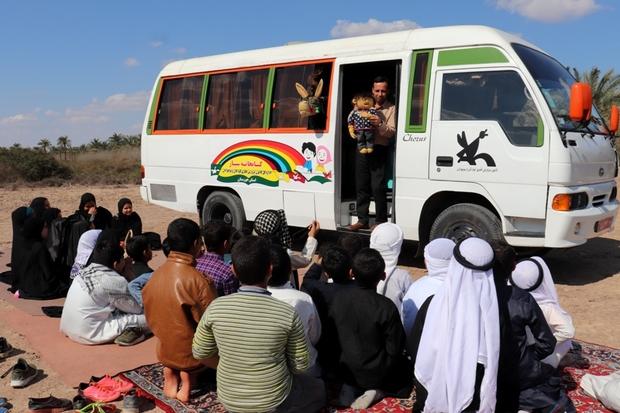 روستای ابوعقاب آبادان میزبان کتابخانه سیار شد
