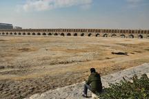 غفلت دولت در تامین آب اصفهان چالش اجتماعی ایجاد می کند