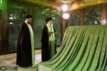 حضور رهبر معظم انقلاب در حرم امام خمینی(س)
