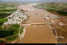 نگهداری و رهاسازی آب در خوزستان غیرممکن است  ۲۵۰ هزار نفر در خطر سیل قرار دارند   تخریب ۱۴ هزار کیلومتر از راههای لرستان، گلستان و خوزستان