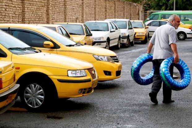 دو هزار حلقه لاستیک بین تاکسی داران مشهد توزیع شد