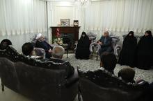 روحانی: خانوادههای معظم شهدا و ایثارگران مایه افتخار همه ملت ایران هستند/ با هدایتهای رهبری عزیز و ایستادگی در برابر همه توطئهها پیروز خواهیم بود