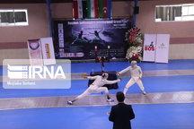 مسابقات شمشیربازی اسلحه فلوره در اصفهان آغاز شد