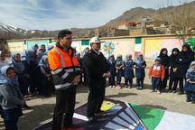 آموزش ایمنی عبور از جاده  برای 700 دانش آموز همدانی برگزار شد