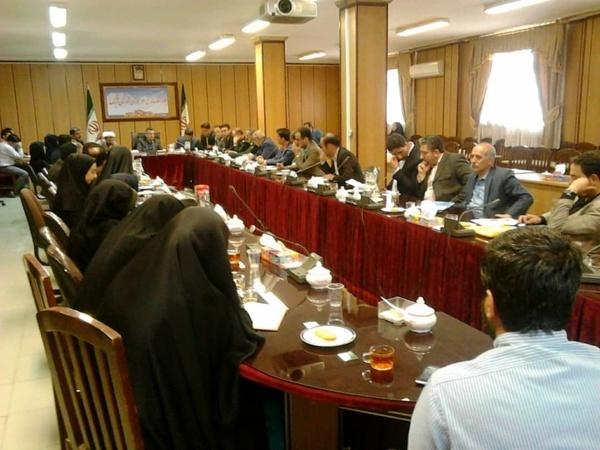 تعیین نخبگان جوان از شهرها و روستاهای آبیک  بانک اطلاعاتی جوانان تکمیل شود