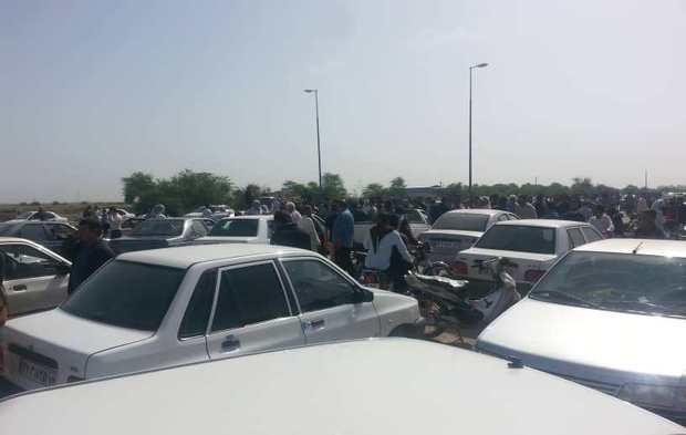 اهالی سید عباس شوش نسبت به نحوه امدادرسانی اعتراض کردند