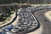 موج اول بازگشت مسافران  حجم بالای ترافیک در آزاد راه کرج-تهران