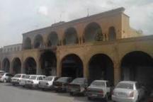 سقف و ستون بخشی از رواق های پیرامون میدان ارگ کرمان فرو ریخت