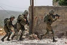 فلسطینی ها یک نظامی صهیونیست را با سنگ به هلاکت رساندند