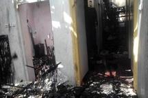 عملیات ۴۲ آتشنشان در پی آتشسوزی منزل مسکونی در آج بیشه
