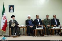 رئیسجمهور روحانی: در شرایط امروز راه حل سیاسی پیش روی ما نیست/  ملت ایران پشت سر رهبر معظم انقلاب نخواهند گذاشت که توطئههای دشمنان تحقق پیدا کند