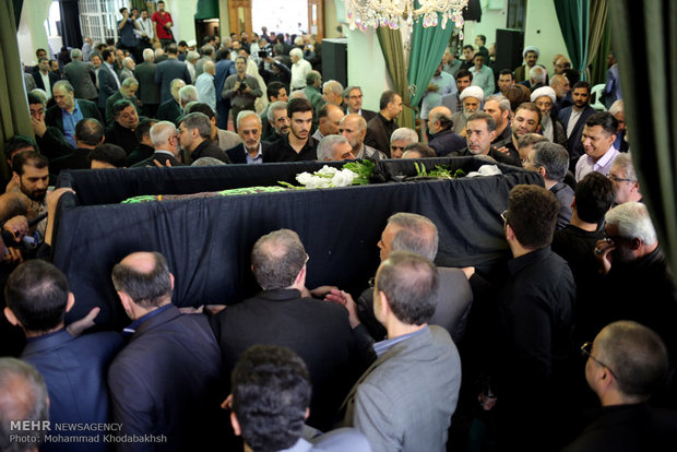 پیکر مرحوم سیدرضا نیری تشییع شد