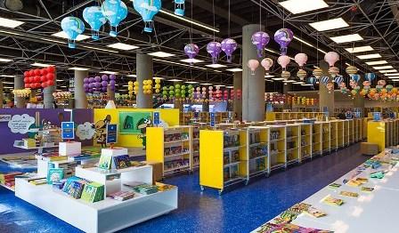 مصطفی رحماندوست:تجمیع فروش کتاب هزینههای خرید مردم را کاهش میدهد